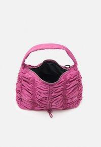 Topshop - RUCHED DRAWSRTING SHOUDLER - Handbag - rasberry - 2