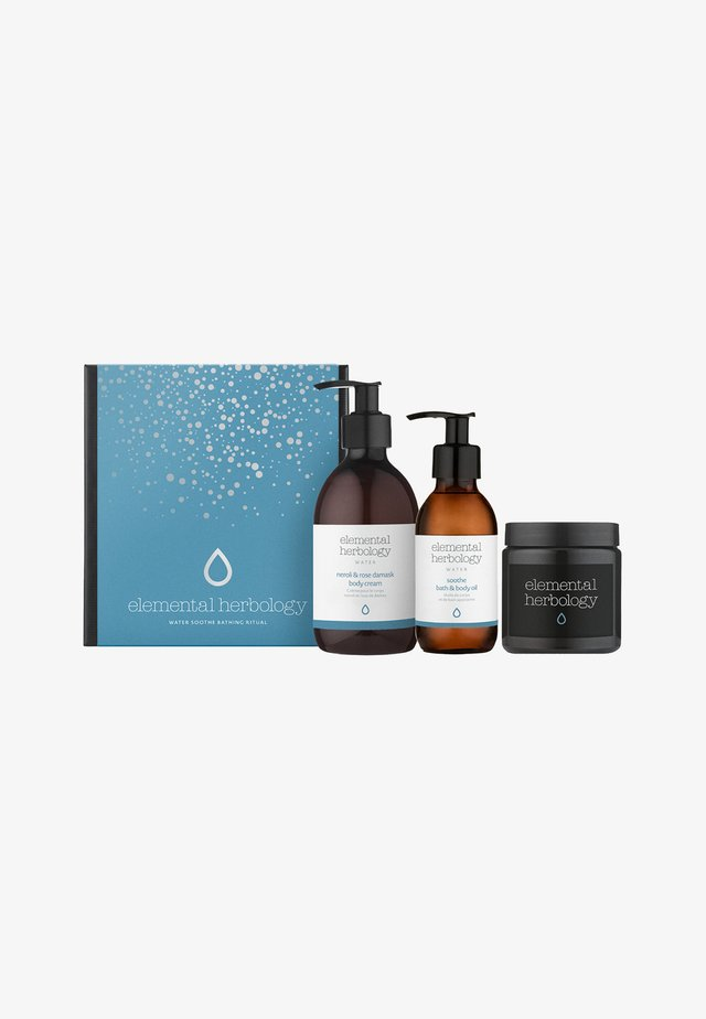 WATER SOOTHE BATHING RITUAL - Bath and body set - -