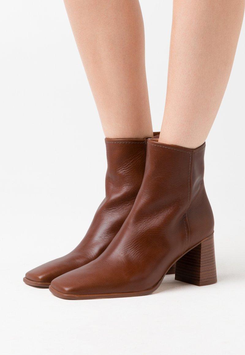 Shoe The Bear - AGATA  - Støvletter - tan