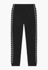 Kappa - HENNER - Pantalones deportivos - caviar - 1