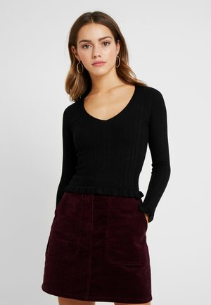 V NECK FRILL HEM - Jumper - black