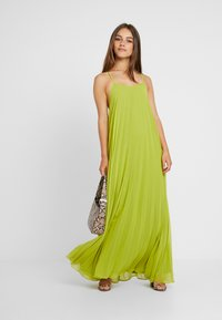 Missguided Petite - STRAPPY PLEATED DRESS - Vestido largo - acid lime - 2