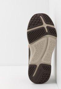 Skechers - METCO BELTOP - Sneaker high - brown/olive - 4