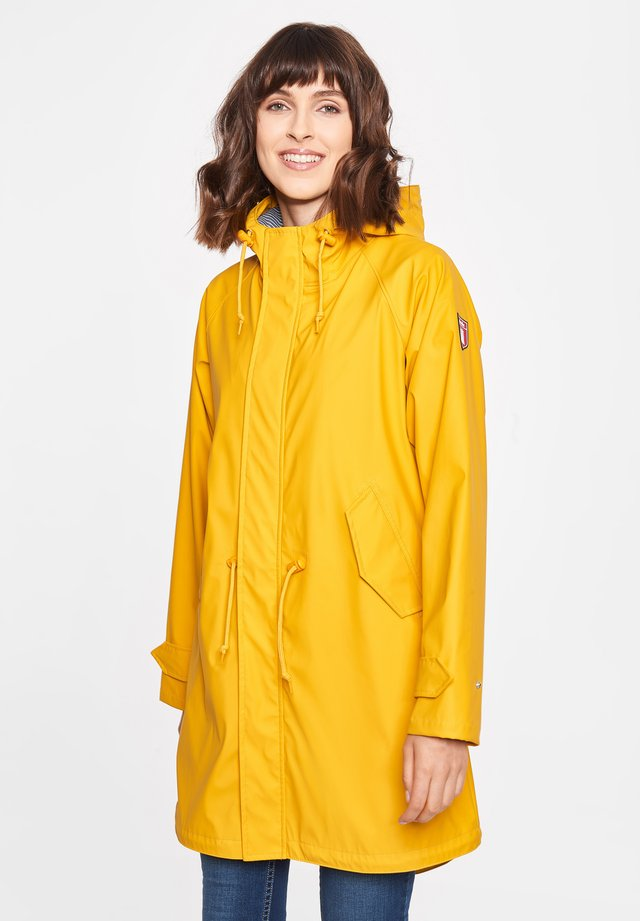 TRAVEL FRIESE FISHER - Parka - yellow