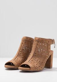 XTI - High heeled sandals - camel - 4