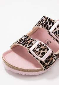 Birkenstock - ARIZONA - Pantuflas - brown/rose - 2