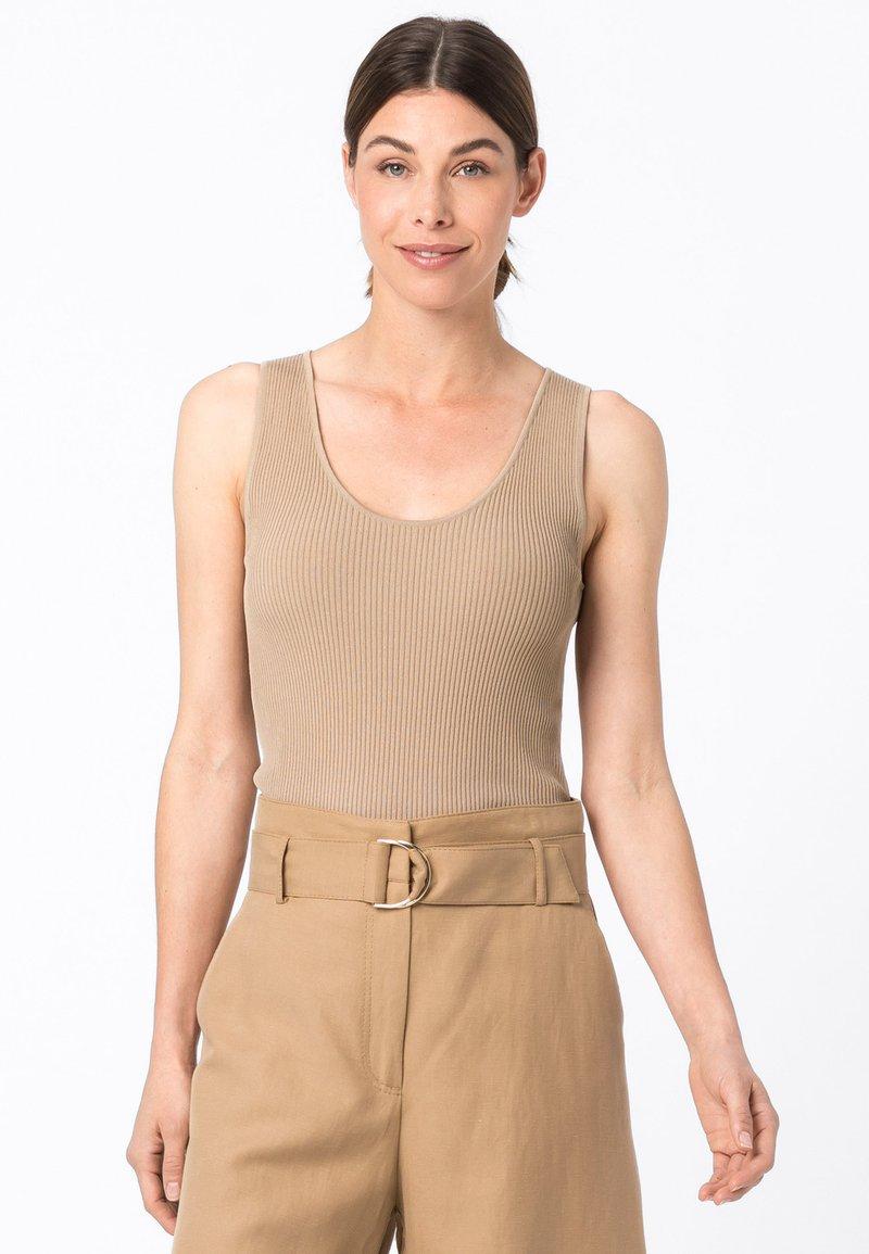 HALLHUBER - Shorts - camel