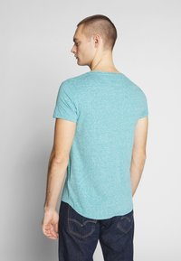 Tommy Jeans - VNECK TEE - Basic T-shirt - exotic teal - 2