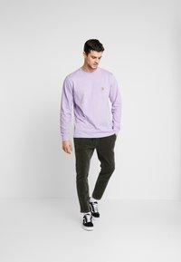 Carhartt WIP - POCKET  - Long sleeved top - soft lavender - 1