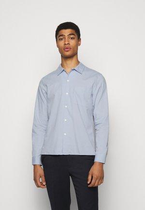 STANDARD - Skjorta - light blue
