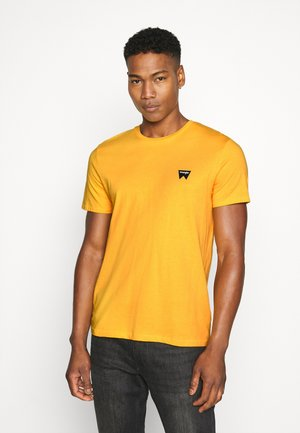 SIGN OFF  - Basic T-shirt - golden rod
