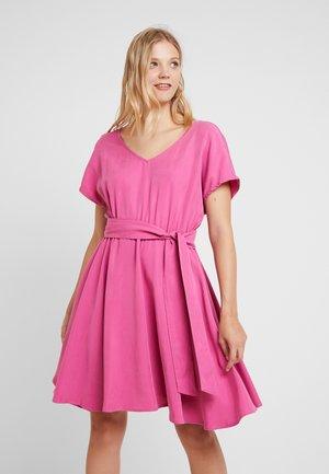 NALASTATE - Day dress - framboise
