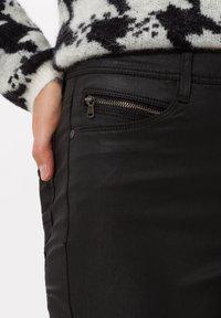 BRAX - STYLE SHAKIRA - Jeans Skinny Fit - clean black - 3