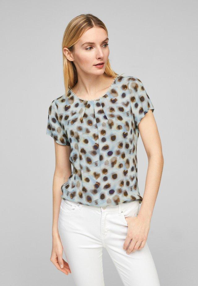 Blouse - soft white aquarell dots