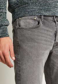 Jack & Jones - JJIGLENN JJORIGINAL - Slim fit jeans - grey denim - 4