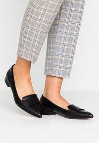 Clarks - LAINA LOAFER - Slippers - black - 0