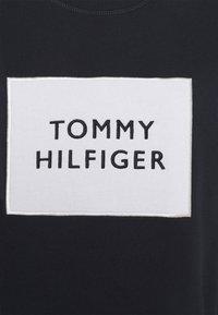 Tommy Hilfiger - RELAXED BOX  - Sweatshirt - desert sky - 5