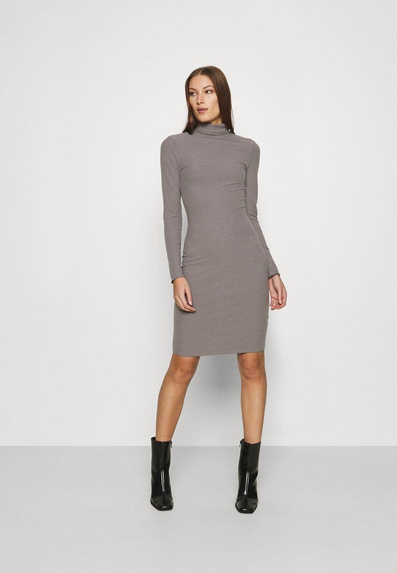 Zign - Pouzdrové šaty - mottled grey