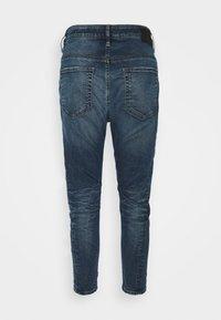 Diesel - D-FAYZA-NE - Relaxed fit jeans - medium blue - 6