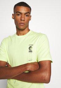 Cotton On - Print T-shirt - fluro green/phaze - 3