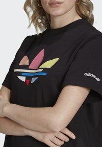 adidas Originals - ORIGINALS ADICOLOR DRESS - Jerseykjoler - black - 3