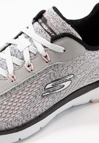 Skechers Sport - FLEX APPEAL 3.0 - Zapatillas - white black/light pink - 2