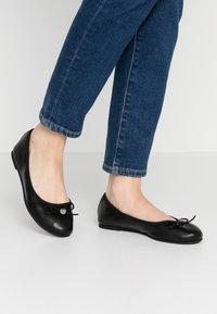 s.Oliver - Ballet pumps - black - 0