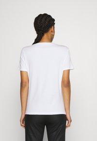 Marc Cain - Print T-shirt - khaki - 2