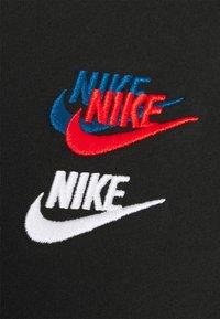 Nike Sportswear - TEE CLUB ESSENTIALS - T-shirts med print - black - 2