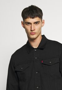 Levi's® - THE TRUCKER JACKET - Giacca di jeans - blacks - 4