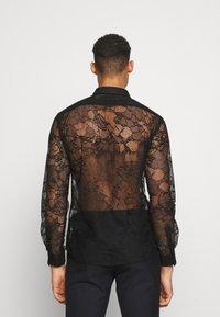 Twisted Tailor - KONA SHIRT - Košile - black - 2