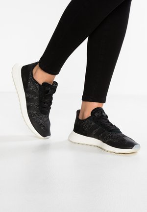 FLASHBACK - Trainers - core black/crystal white