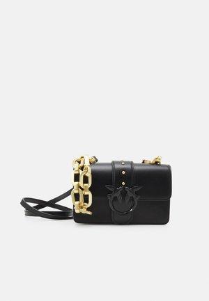 LOVE MINI ICON MAXY CHAIN - Handbag - black