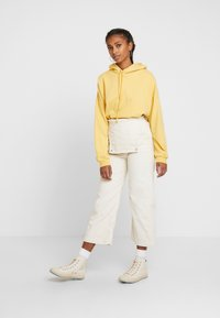 Levi's® - CAGE CROP OVERALL - Dungarees - ecru wide wale - 3