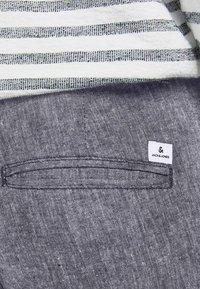 Jack & Jones - MARCO DAVE LEINEN - Pantalones chinos - black - 5