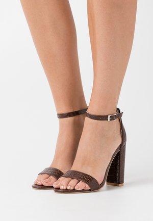 High heeled sandals - coffee