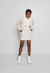 Rich & Royal - SKIRT WITH TAPES - Mini skirt - pearl white - 1