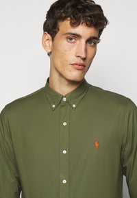 Polo Ralph Lauren - NATURAL - Skjorter - supply olive - 5