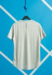 Superdry - GRAPHIC - T-shirt z nadrukiem - light grey marl - 1