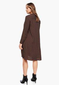 Triangle - CRÊPE-KLEID - Shirt dress - brown aop - 1