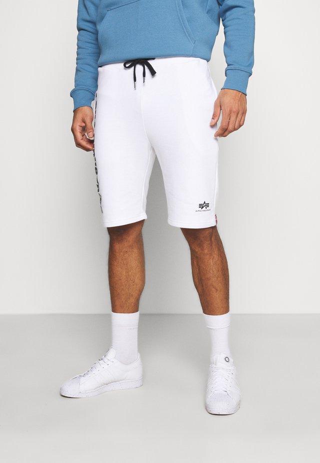 BIG LETTERS SHORT - Shorts - white