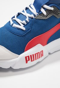 Puma - CELL PHANTOM - Zapatillas de running neutras - galaxy blue/white/high risk red - 5
