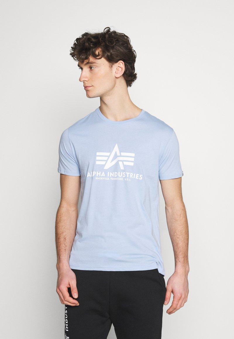 Alpha Industries - Print T-shirt - light blue