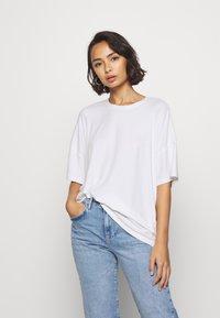 Even&Odd Petite - Basic T-shirt - white - 0