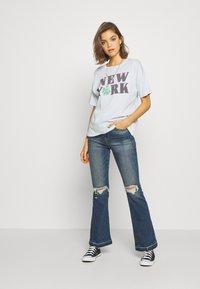 American Eagle - NEW YORK DINER OVERSIZED TEE - Print T-shirt - blue - 1