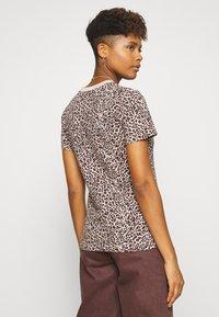 Nike Sportswear - PACK TEE - Print T-shirt - beige - 2