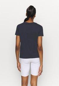 Champion - CREWNECK - Camiseta estampada - dark blue - 2