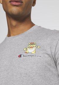 Champion Rochester - CREWNECK NINTENDO - T-shirt imprimé - mottled grey - 6