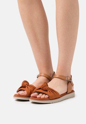 MARIE - Sandály - teja