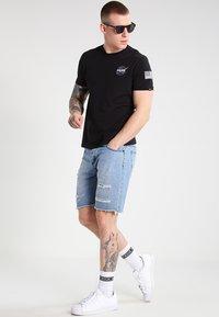 Alpha Industries - 176507 - T-shirt con stampa - black - 1